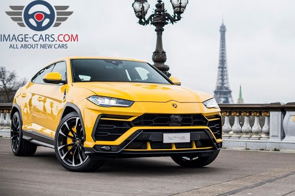 Front view of Lamborghini Urus of 2018 year