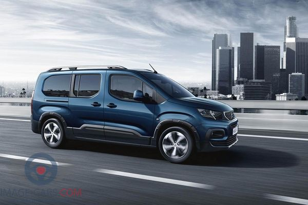 Right side of Peugeot Rifter of 2019 year