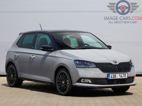 Front Right side of Skoda Fabia of 2018 year