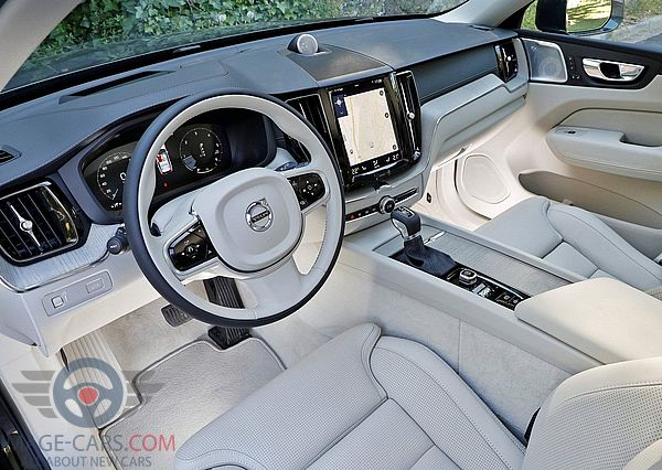 Dashboard view of Volvo XC60 of 2018 year