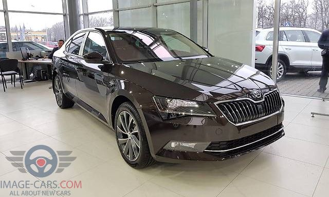 Front view of Skoda Superb of 2018 year