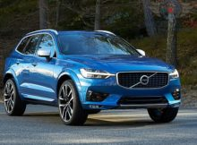 Front Right side of Volvo XC60 of 2018 year