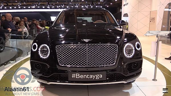 Front view of Bentley Bentayga of 2017 year