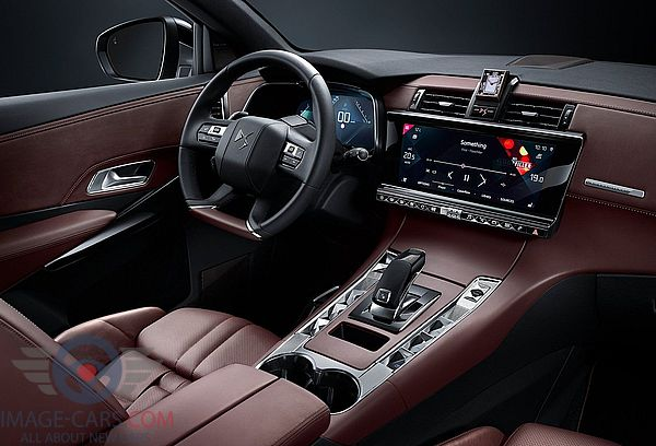 Dashboard view of Citroen DS7 Crossback of 2018 year