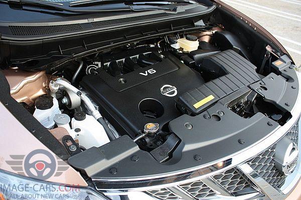 Engine view of Nissan Murano of 2018 year