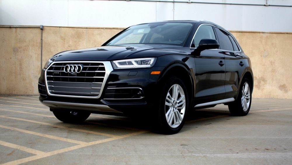 Front Left side of Audi Q5 of 2018 year