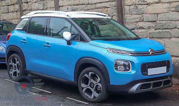 Front Right side of Citroen C3 Aircross of 2018 year