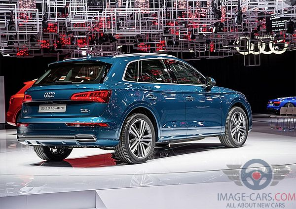Rear Right side of Audi Q5 of 2018 year