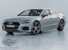 Front Left side of Audi A7 of 2018 year