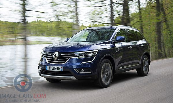 Front Left side of Renault Koleos of 2017 year