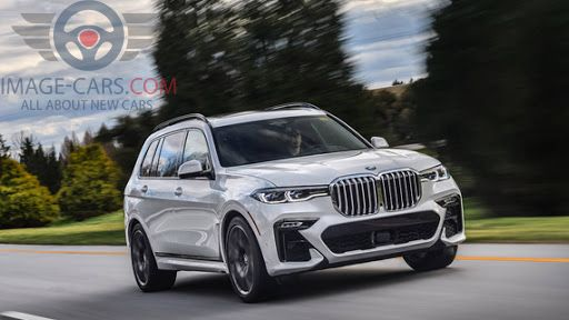 Front view of BMW X7 of 2019 year