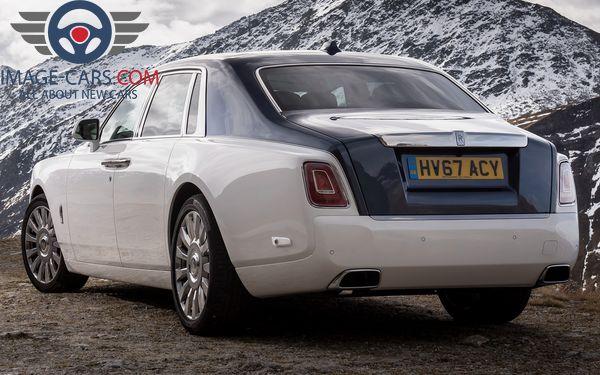 Rear view of Rolls-Royce Phantom of 2018 year