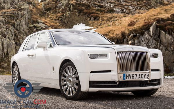 Front Right side of Rolls-Royce Phantom of 2018 year