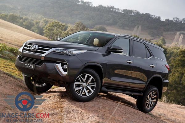 Front Left side of Toyota Fortuner of 2018 year