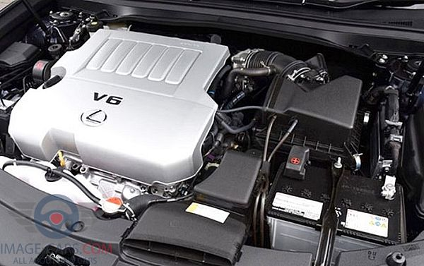 Engine view of Lexus ES of 2018 year