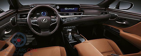 Dashboard view of Lexus ES of 2018 year