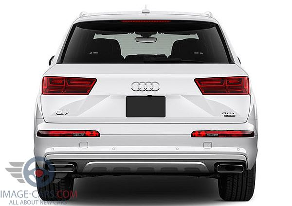 Rear view of Audi Q7 of 2018 year