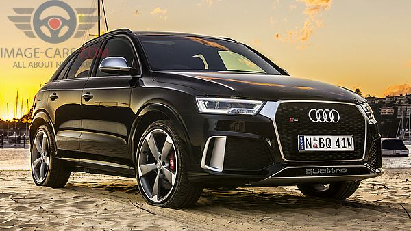Front Right side of Audi Q3 of 2018 year