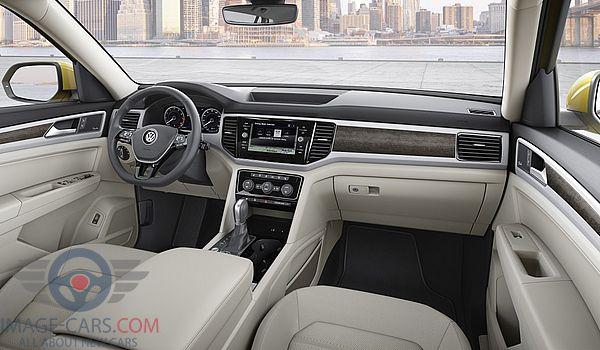 Dashboard view of Volkswagen Atlas of 2017 year
