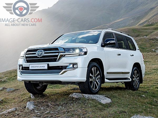 Front Left side of Toyota Land Cruiser 200 of 2018 year