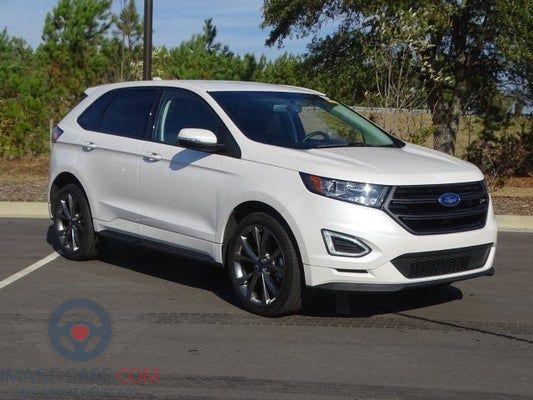 Front Right side of Ford Edge of 2017 year