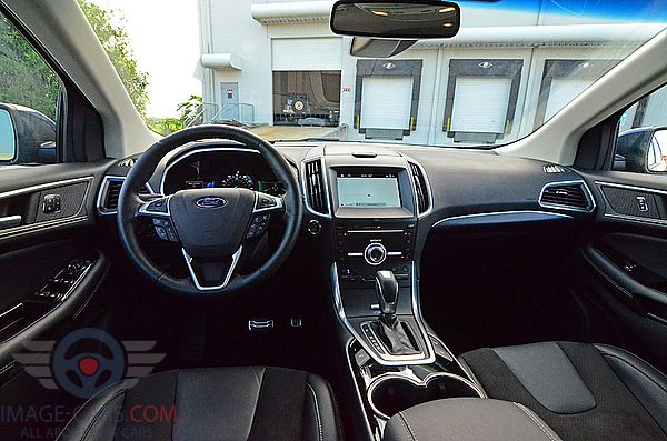 Dashboard view of Ford Edge of 2017 year