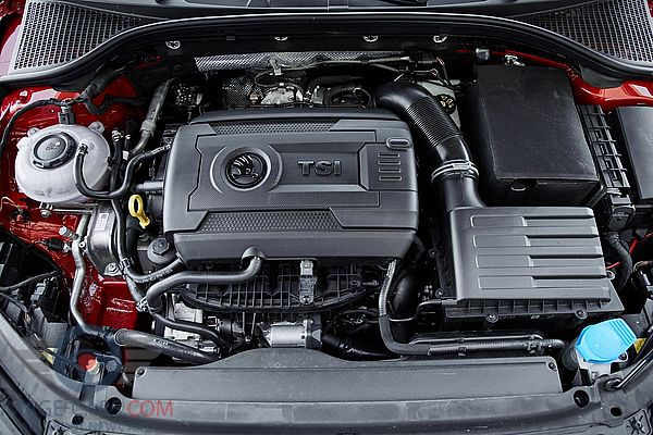 Engine view of Skoda Octavia of 2018 year