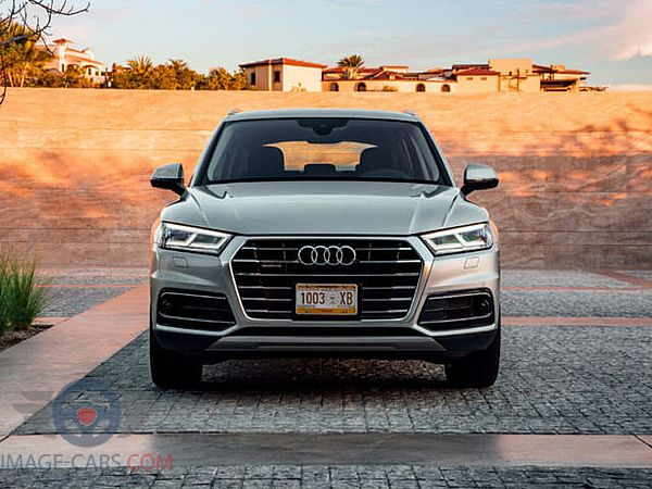 Front view of Audi Q5 of 2018 year