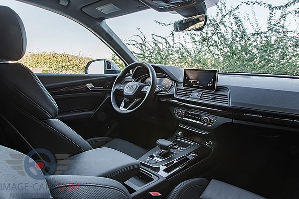 Salon view of Audi Q5 of 2018 year