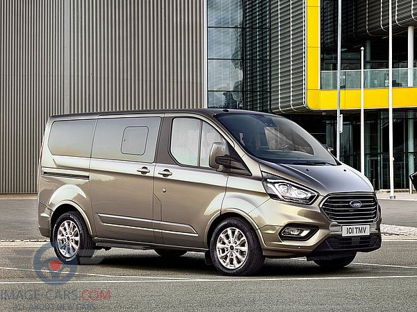 Front Right side of Ford Tourneo Custom of 2018 year