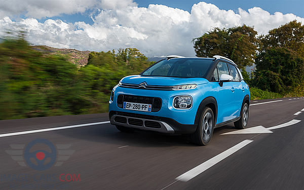 Front view of Citroen C3 Aircross of 2018 year